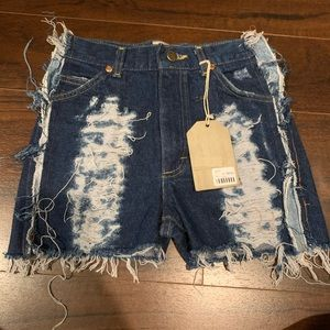 First of a kind denim shorts LF